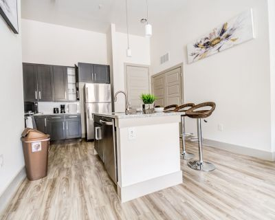 Spacious Abode   Two bedrooms with 4K TVs   Washer dryer - Cumberland