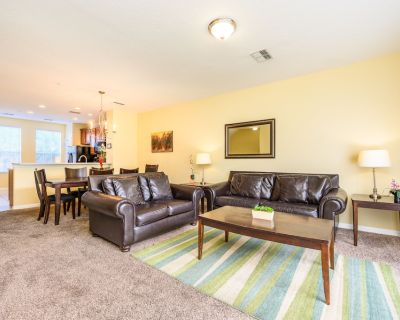 NEW LISTING! Family Townhome [CDC COMPLIANT] 4011 - Orlando
