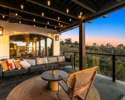 Vast Ocean-View Estate   7 Balconies, Hot Tub & Meditation Room - Country Club