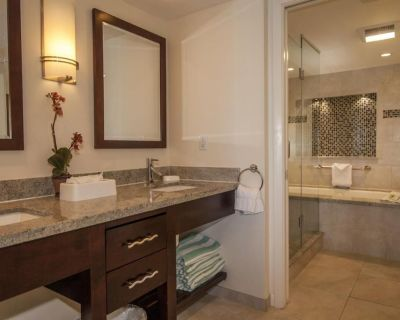Beautiful Two-Bed, Two-Bath Suite at Galleon Resort Overlooking Harbor - Historic Seaport