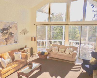 Comfortable Chic Mountain Home in Lake Arrowhead - Lake Arrowhead