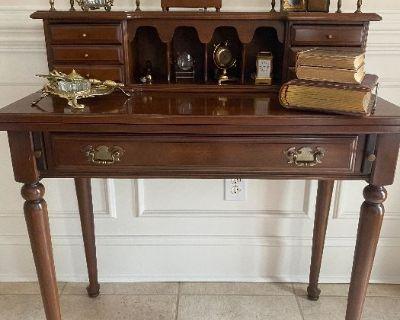 Fabulous Finds Estate Sale - Davidson
