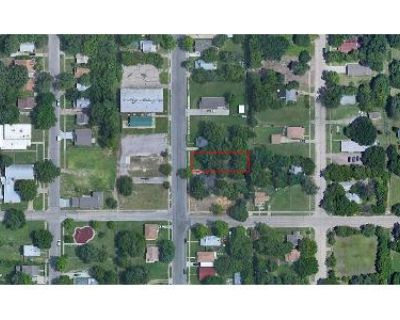 Preforeclosure Property in Wichita, KS 67214 - Ave.