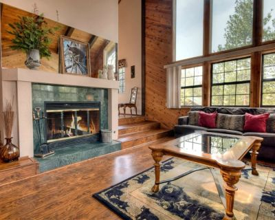 Sublime For-Rest: High End Neighborhood! Hot Tub! Gourmet Kitchen! Master Suite! Pool Table! - Fox Farm