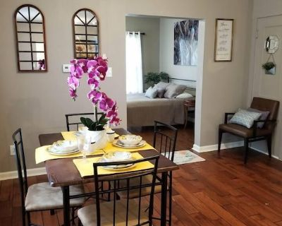 Great Couples Suite 10min2Everything FreeParking - Near Eastside