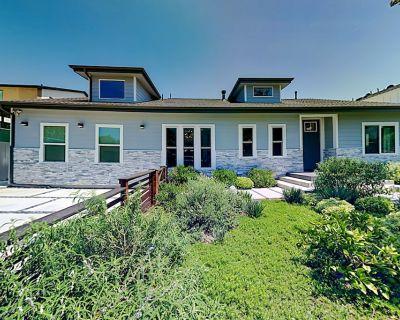 Designer New Build & Guesthouse | Saltwater Pool, Hot Tub & Outdoor Kitchen - Mar Vista