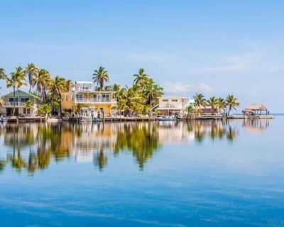 Fantastic Land and Sea Vacation! 2 Queen Units, Beach, Pool, Gym, Restaurant - New Town