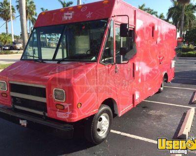 Chevrolet P30 Step Van Kitchen Food Truck / Used Beverage Truck