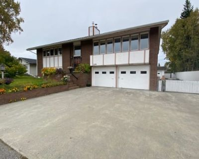2Bed/1Ba/1Car Amazing Apartment on Riverview Dr., All Util. Includ., sorry no pets.