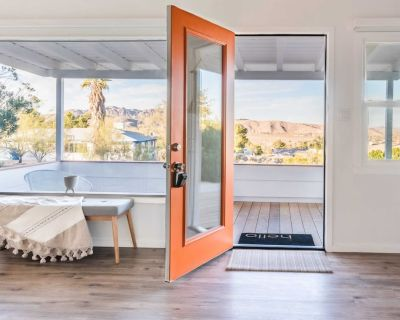 High View Home...Cozy Refuge to Disconnect, Steps from Joshua Tree Village - Joshua Tree