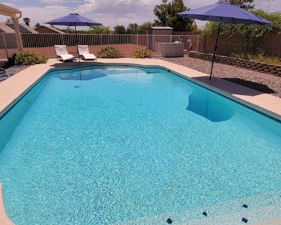 Comfortable house with a beautiful pool and covered patio in southern Tuscon. - Rita Ranch