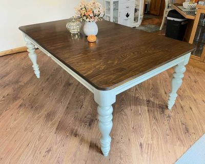Extendable Solid Wood Farmhouse Dining Table *Chairs not included*
