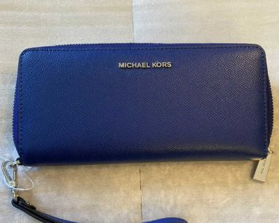 Authentic Michael Kors Continental Zip Around Wallet New With Tag Retail $168