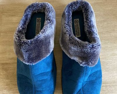 Isotoners Slippers Size 8 1/2 -9