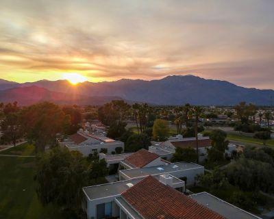 Spacious Modern Luxury Townhouse - Rancho Mirage