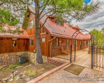 Serenity Lodge: 'peaceful' w/ hot Tub, Pool Table and Much More - Ruidoso
