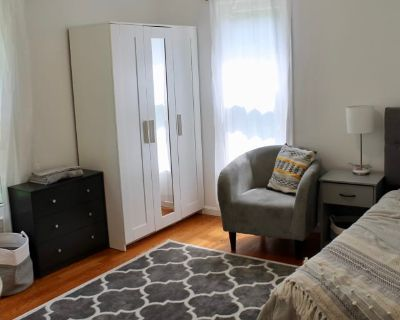Private room with shared bathroom - Rockville , MD 20854