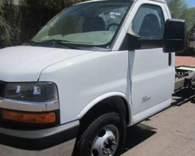 2014 Chevrolet Express Commercial Cutaway 4500