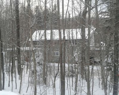 Mount Snow Rental Beautiful 5BR+ Home with Hot Tub, Sauna, Pool Table and more! - West Dover