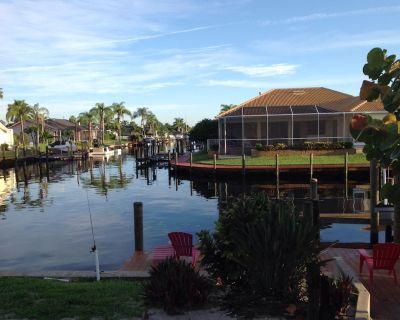 Gorgeous Cape Coral Waterfront Villa - 4 BR 3bath - Pelican