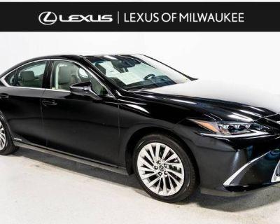 2021 Lexus ES ES 300h Ultra Luxury