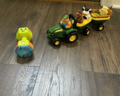 Fisher Price Dumbell and Tractor With Barnyard Animals
