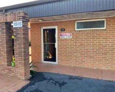 108 Medical Center Ave, Sebring, FL 33870 Studio Apartment