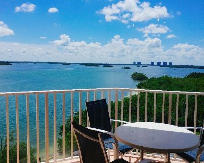 Stunning water view one bedroom condo with king bed near Lovers Key - Fort Myers Beach