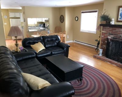 Large Townhouse Close to Loon Mountain - North Woodstock