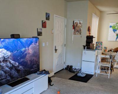 Shared room with shared bathroom - Sunnyvale , CA 94086