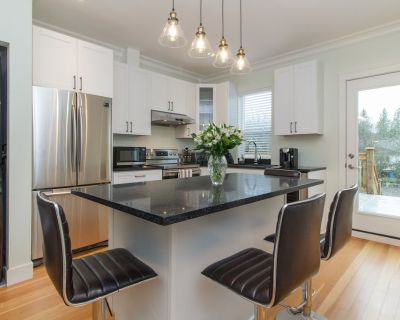 Modernized Character home in Central Location - Victoria