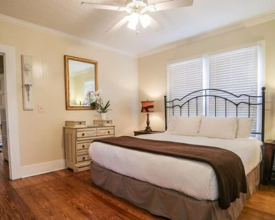 Across the Way Back Porch Suite | King Bed | Hot Tub | In Town - Fredericksburg
