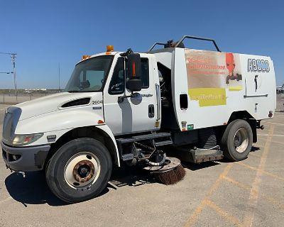 2009 INTERNATIONAL 4300 Sweeper Trucks Truck