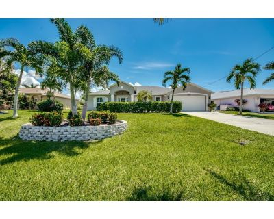 Villa Palm Alley, Beautiful Rental Vacation Home Located In South Cape Coral - Pelican