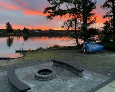 Lakefront, Fishing, Sm Dogs,Walk to Ocean,PoolTable,Sauna,Kayak,Canoe Pedal Boat - Warrenton