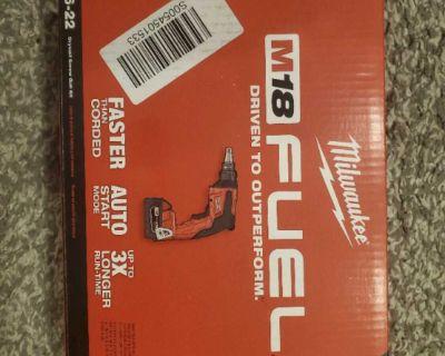 Kit Milwaukee drywall fuel