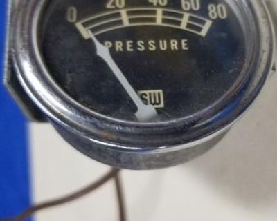 Oil Pressure Gauge SW with Pipe/Fitting