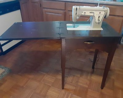 WORKING Antique Singer sewing machine table! FIRST COME