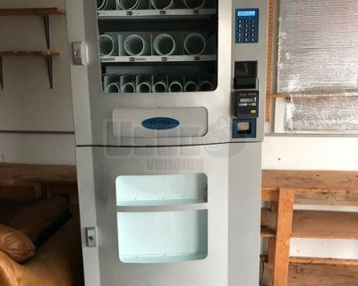 Seaga Snack Mart Snack / Drink Combo Vending Machine w/ CC Reader