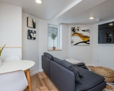 Beautiful Modern Apartment in Central Denver - Speer