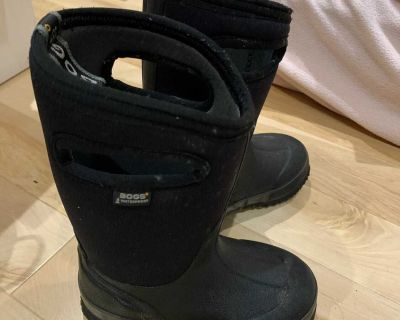 Bogs boots size 10