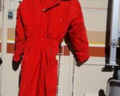 Tyrolla by Head red ski suit small