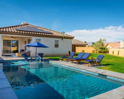 Endless Summer House! Kid Friendly saltwater pool & EV charger! - Indio