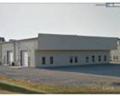 Fort Wayne, 2,400 SF end cap unit consisting of 1,450 SF of