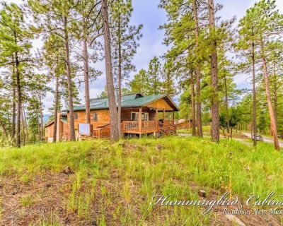 Jennings, large, open floor plan 3 bed/3 bath with hot tub - Ruidoso