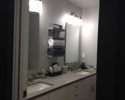 Prune Hill, Private Room & Bath for rent in Remodeled Camas Home