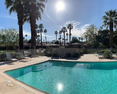 PALM VALLEY COUNTRY CLUB!PRIVATE!UPDATED!2BED+PLUS DEN48POOLS+HOT TUBS!BOOK NOW! - Palm Desert