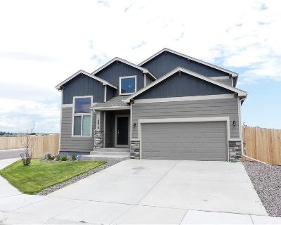 Fully Finished 5 Bed 1 1/2-Story (MLS# 9841613) By Bobbi Price