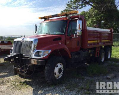 2003 International 7400 6x4 Snow Plow/Dump Truck