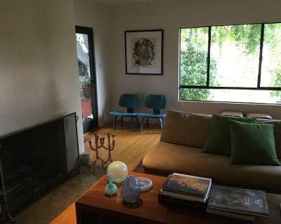 Los Feliz Roommate for a nice private bedroom in